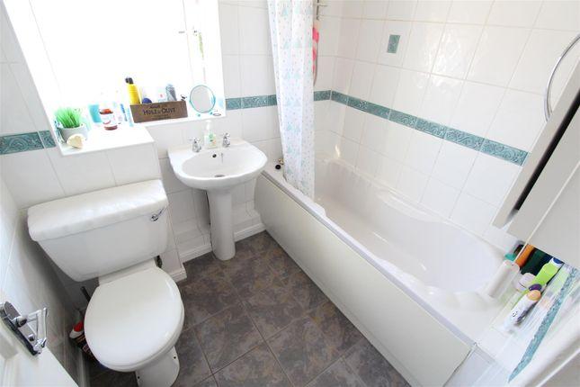 Bathroom of Howdale Road, Sutton-On-Hull, Hull HU8