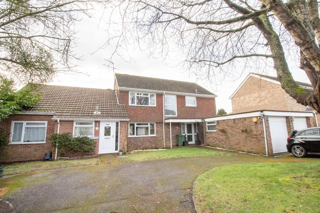 Thumbnail Detached house for sale in Camwood Close, Basingstoke