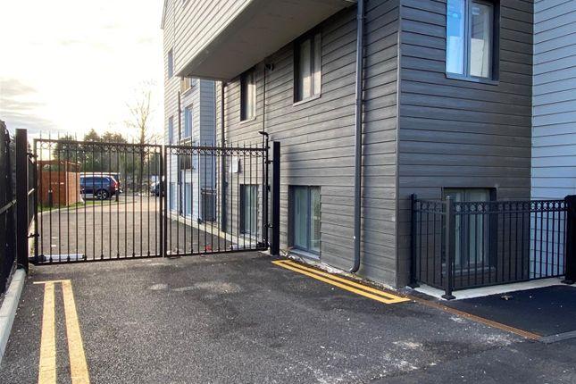 1 bed flat to rent in College Road, Northfleet, Gravesend DA11
