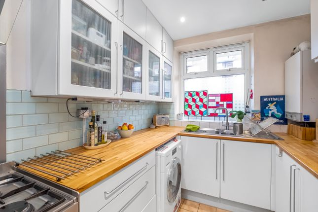 2 bed flat for sale in Larch House, Rotherhithe SE16