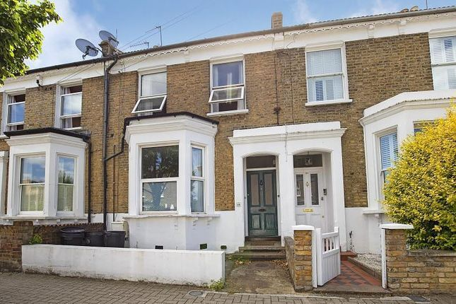 Thumbnail Flat to rent in Bective Road, Putney