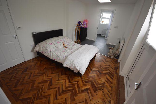 Bedroom of Cardigan SA43