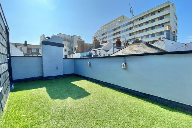 3 bed terraced house to rent in Norfolk Street, Brighton BN1
