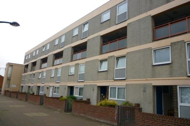 Thumbnail Flat to rent in Crown Street, Portsmouth