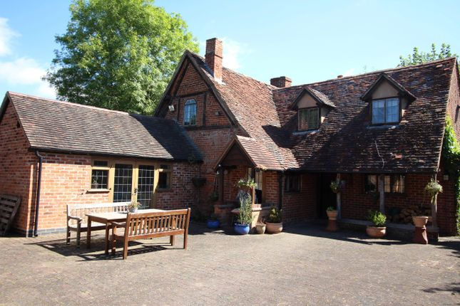 Thumbnail Detached house for sale in 27 Droitwich Road, Feckenham