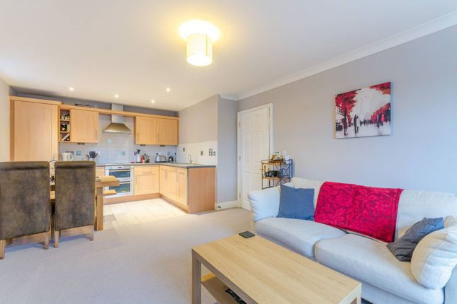 Thumbnail Flat to rent in Martell Road, West Dulwich, London