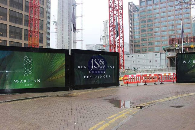 Thumbnail Flat for sale in Marsh Wall, Isle Of Dogs, London