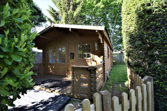 Thumbnail Property to rent in Oak Stubbs Lane, Dorney Reach, Maidenhead