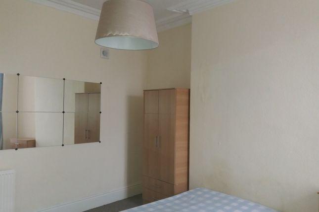 Thumbnail Flat to rent in Hollyshaw Lane, Crossgates, Leeds, West Yorkshire