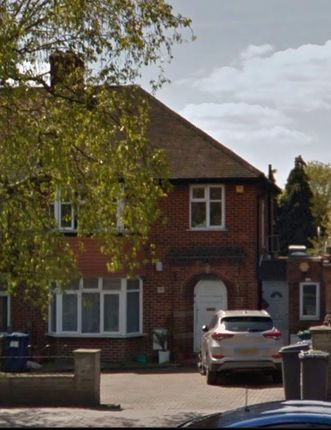 Thumbnail Flat for sale in Hocroft Walk, Hendon Way, London