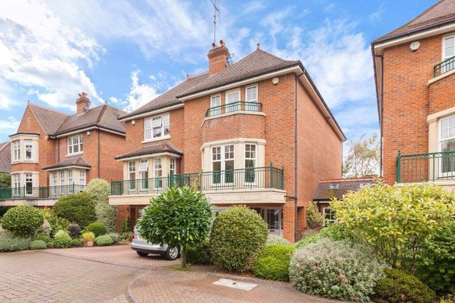 Thumbnail Property to rent in Mountview Close, London