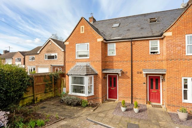 4 bed semi-detached house to rent in Tudor Road, Newbury RG14