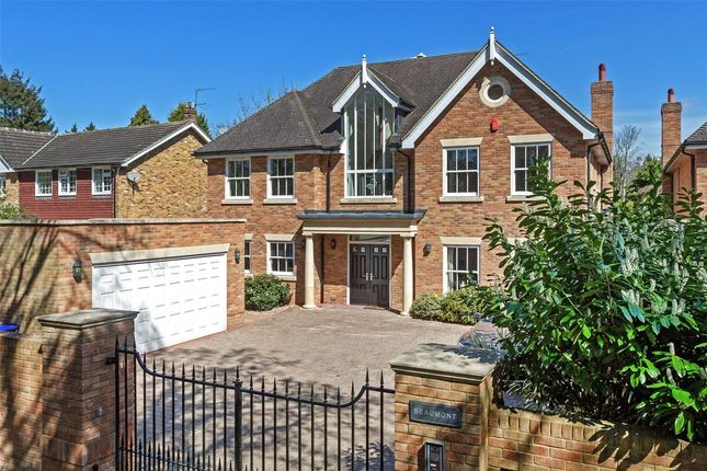 Thumbnail Detached house to rent in Barn Close, Farnham Common, Slough