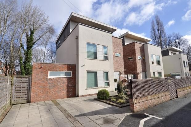 Thumbnail Detached house to rent in Claremont Avenue, Didsbury
