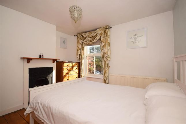 Thumbnail Cottage for sale in Queens Road, Brentwood, Essex