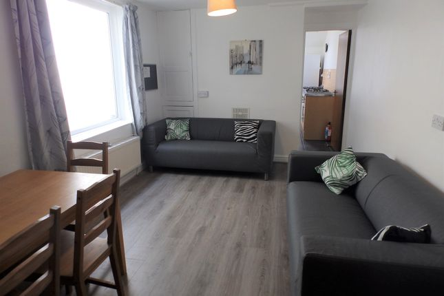 Thumbnail Shared accommodation to rent in Byrnymor Road, Swansea