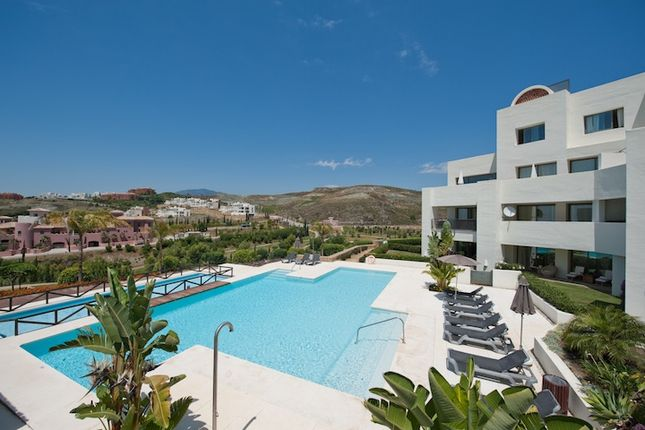 2 bed apartment for sale in Benahavis, Costa Del Sol, Andalusia, Spain
