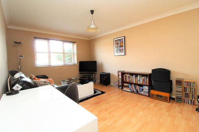 Thumbnail Flat for sale in 230 Brampton Road, Bexleyheath