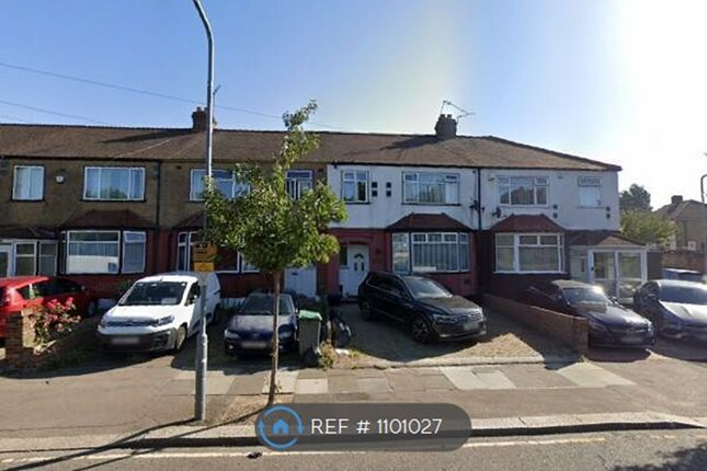3 bed terraced house to rent in Wanstead Park Road, Ilford IG1