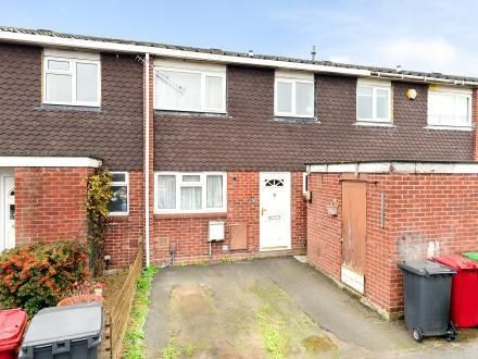 Thumbnail Terraced house to rent in Grampian Way, Langley