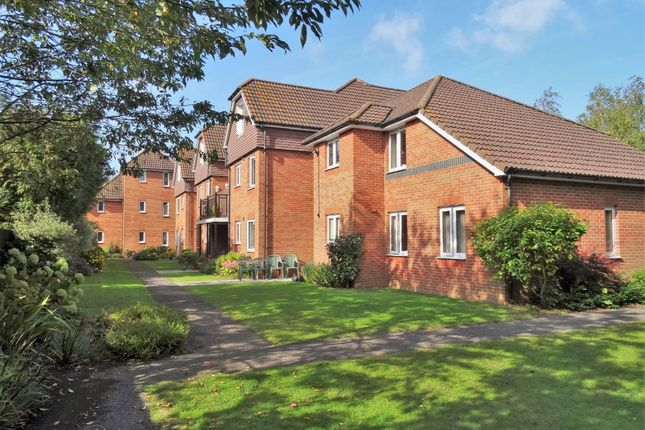 Thumbnail Flat for sale in Beaulieu Road, Dibden Purlieu, Southampton