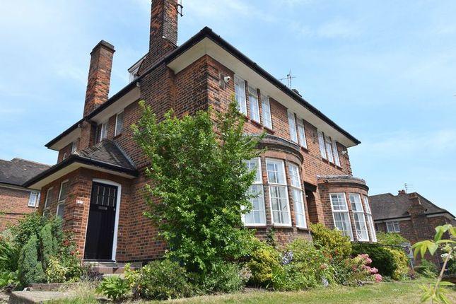 3 bed flat to rent in Lyttelton Road, Hampstead Garden Suburb