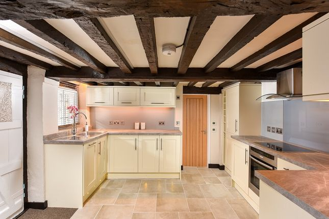 Thumbnail Cottage to rent in The Borough, Farnham