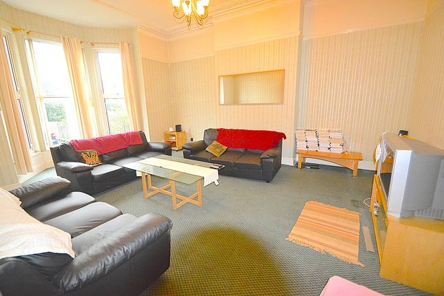 Thumbnail Terraced house to rent in Belle Vue Road, Leeds City Centre