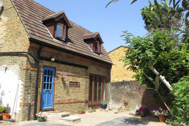 Thumbnail Property to rent in Station Road, Penge
