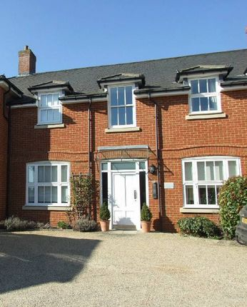 Thumbnail Flat to rent in Police Station Road, West Malling