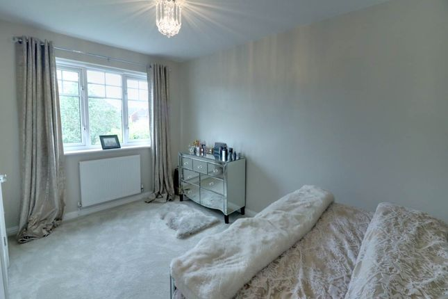 Master Bedroom of Fair Holme View, Armthorpe, Doncaster DN3