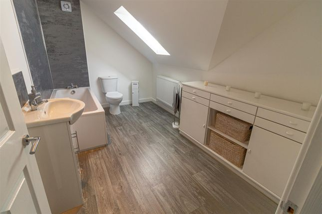 Family Bathroom of Bellview, Tan Lane, Little Clacton CO16
