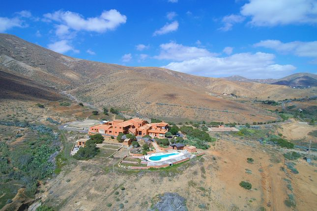 Thumbnail Hotel/guest house for sale in Camino A Vega De Rio Palmas, Betancuria, Fuerteventura, Canary Islands, Spain