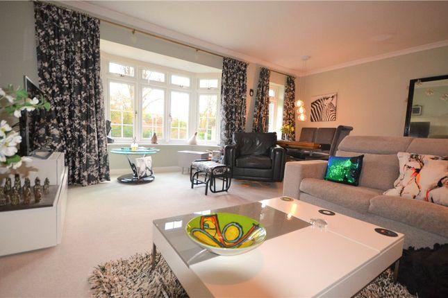 Living Room of Heathfield Court, Fleet, Hampshire GU51