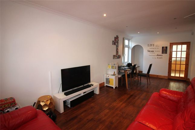Thumbnail Bungalow to rent in Eastmead Avenue, Greenford