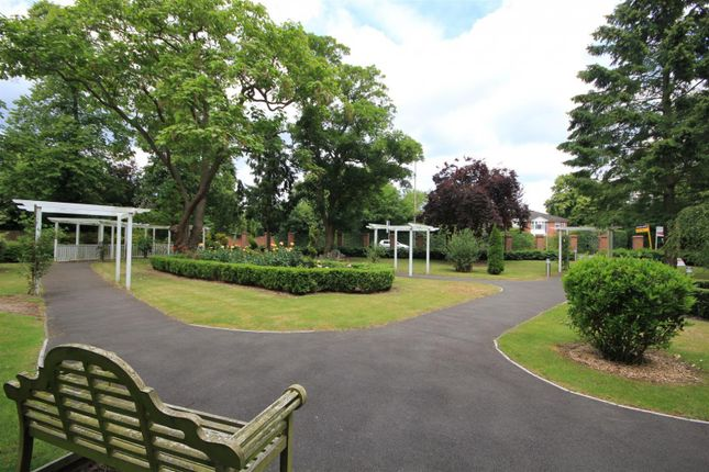 Communal Gardens of Priory Point, Southcote Lane, Reading RG30
