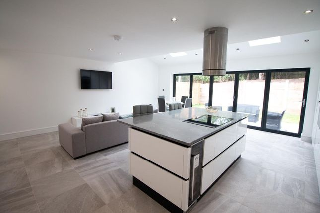 Living Kitchen of Mere View, Astbury Mere, Congleton, Cheshire CW12