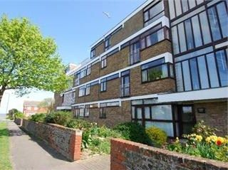 Thumbnail Flat to rent in Beach Avenue, Birchtington