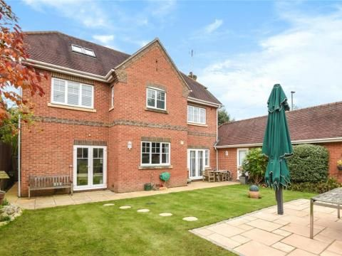 Thumbnail Detached house to rent in Hope Fountain, Camberley