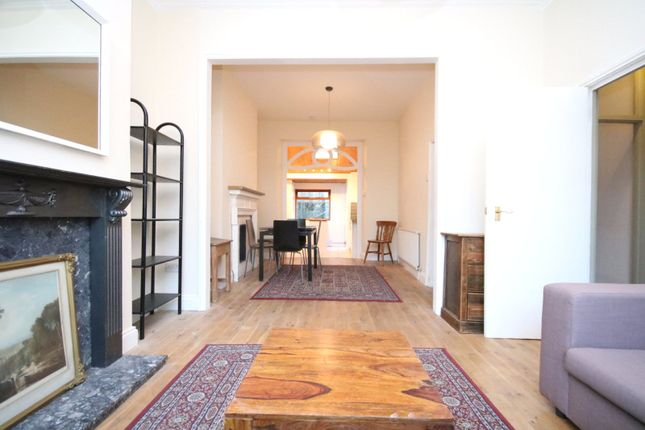 Thumbnail Flat to rent in Alexander Road, Holloway, London
