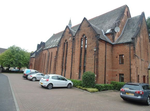 2 bed flat to rent in Greenlaw Avenue, Paisley