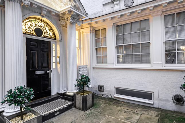 2 bed flat for sale in Exchange Court, London WC2R