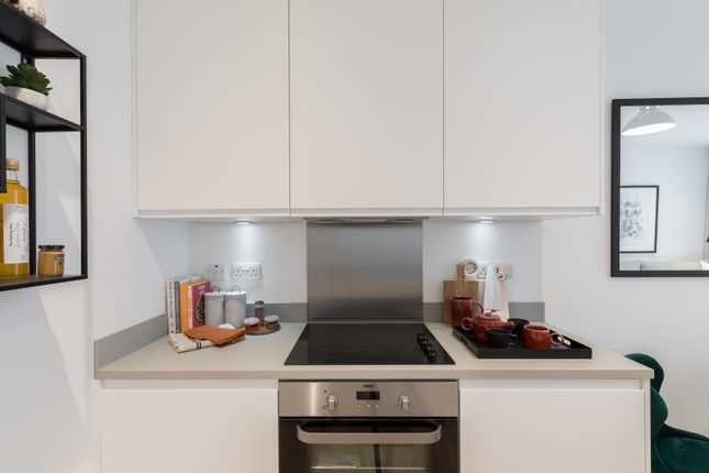 1 bedroom flat for sale in Apple Tree Road, London