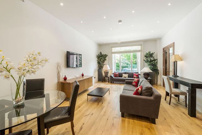2 bedroom flat to rent in Onslow Square, South Kensington