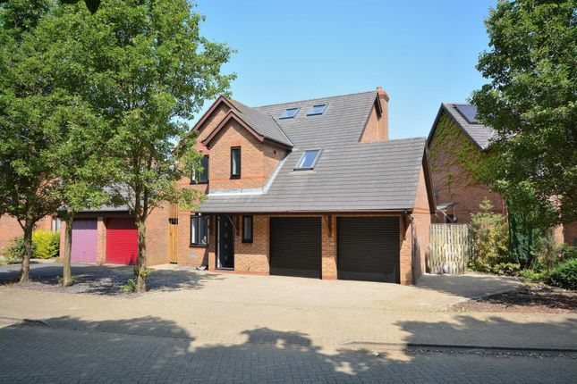 Thumbnail Detached house for sale in Bickleigh Crescent, Furzton, Milton Keynes