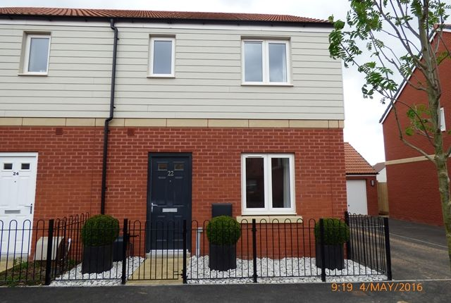 Thumbnail Semi-detached house to rent in Somerville Crescent, Exeter