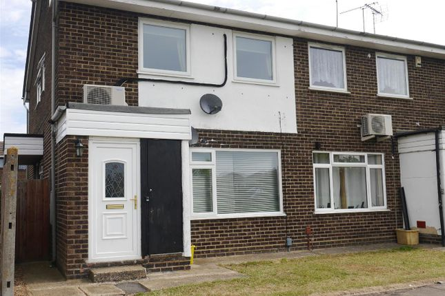 Thumbnail Flat for sale in Lakeside Path, Canvey Island