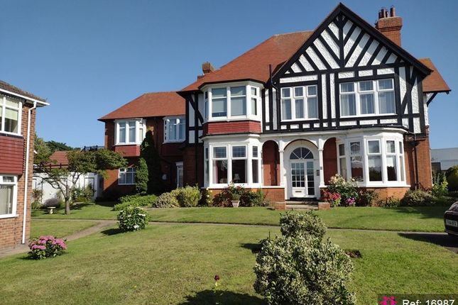 Thumbnail Flat for sale in Kings Road, Cleethorpes