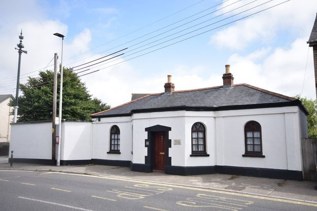 Thumbnail Bungalow to rent in Clovelly Road, Bideford, Devon