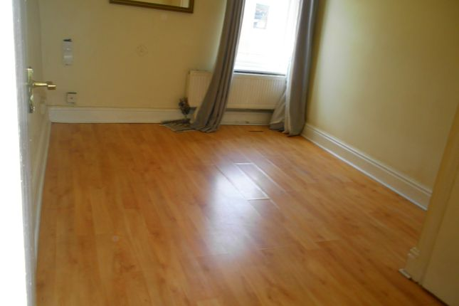 Thumbnail Flat to rent in Market Street, Shaw, Oldham